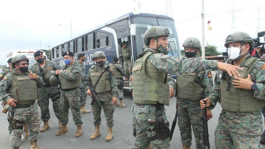 Al menos 18 muertos y 35 heridos en motines de cárceles de Ecuador