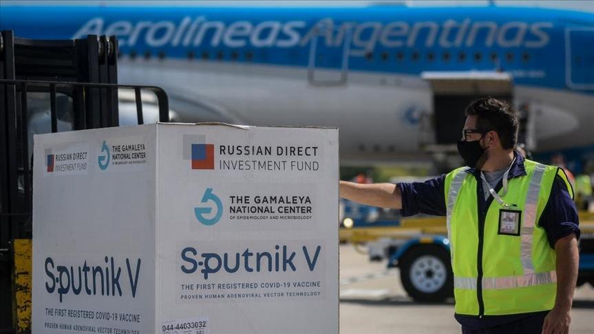 Argentina y Rusia acuerdan acelerar suministro de dosis de la Sputnik V