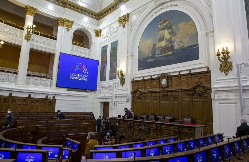 Canal de TV de la U. de Chile transmitirá en vivo sesiones de la Convención Constitucional por televisión abierta en todo el país