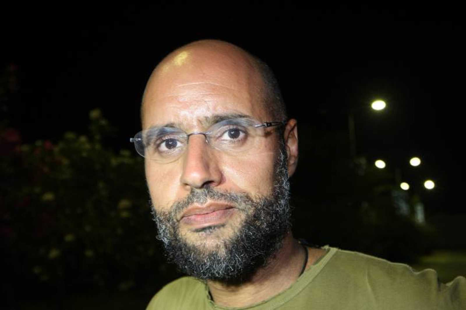 Reapareció hijo de Muamar Gadafi y aspira ser candidato a la presidencia