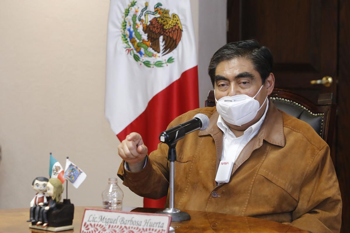 Miguel Barbosa culpa a Ernesto Derbez del desfalco a Fundación Jenkins