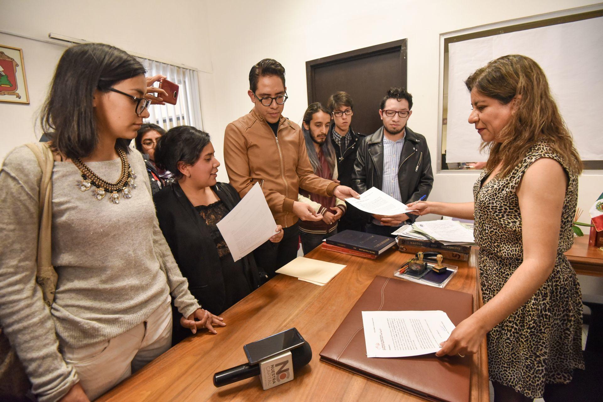 Presentan iniciativa para quitarse nombres o apellidos en Puebla