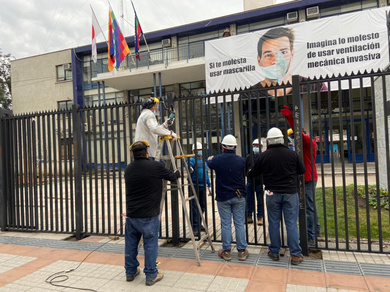 ¡Adiós a la reja! Municipalidad de San Bernardo reabre frontis y retira cierre instalado durante el estallido social