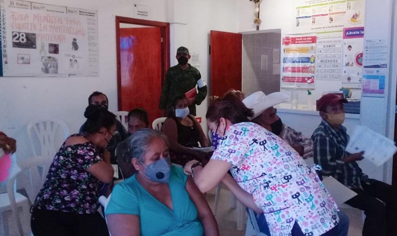 Inicia vacunación de 30 y más en otros 15 municipios de Puebla; zona conurbada, la próxima semana