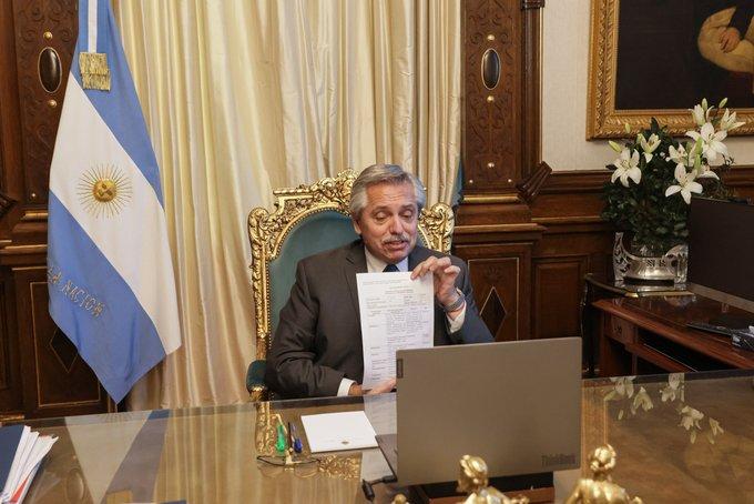 Instituto ruso aprueba primer lote de vacunas Sputnik V elaboradas en Argentina