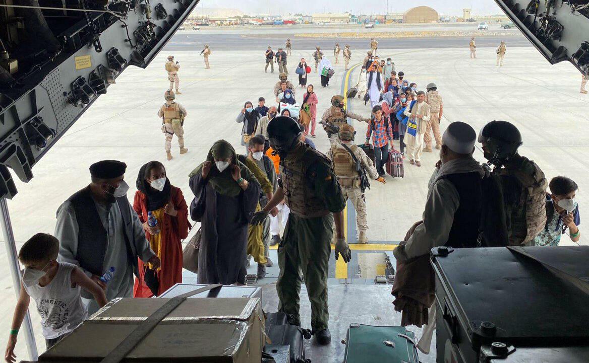 Brasil estimaría conceder visado humanitario a refugiados de Afganistán