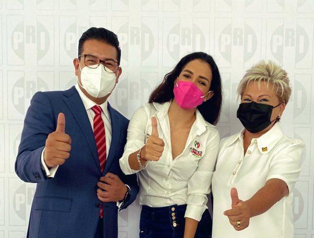 Valida PRI de Puebla elección de Néstor Camarillo; sólo falta entrega de constancia