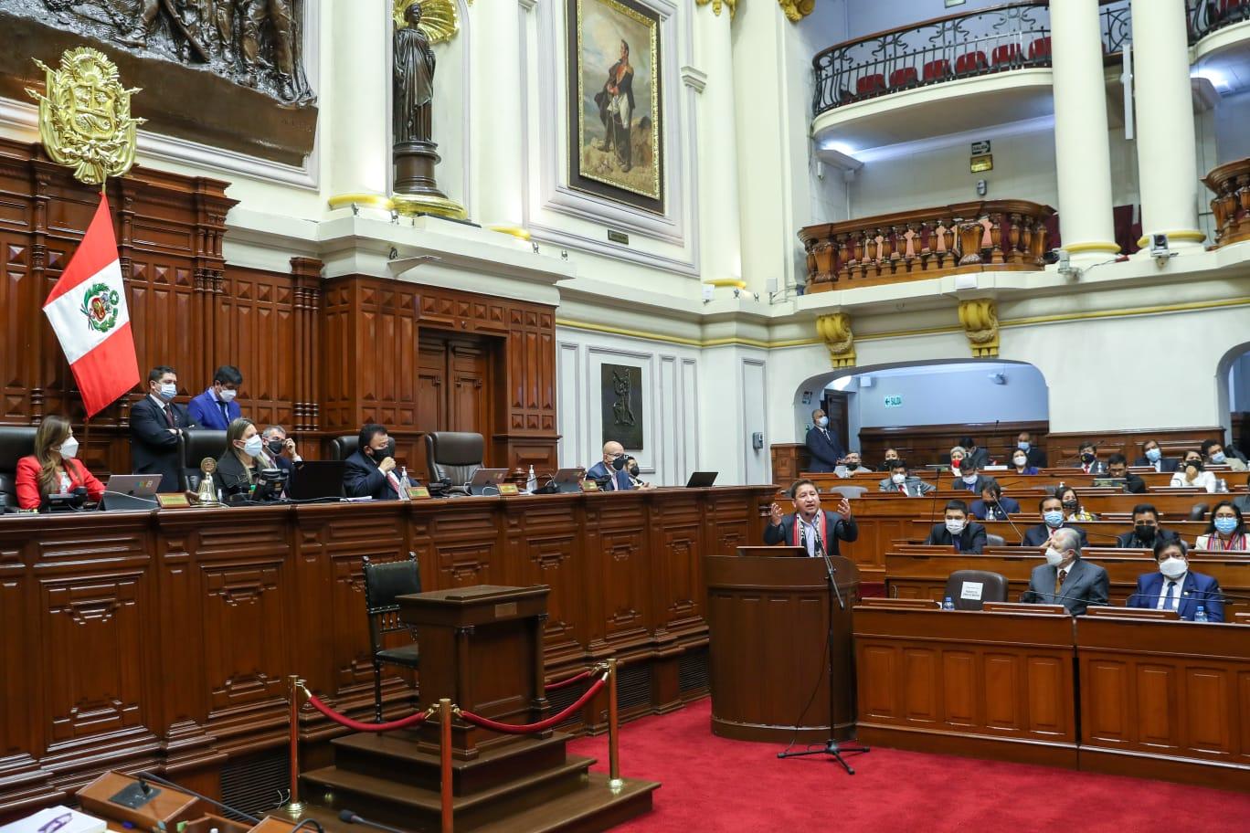 Tras un tenso debate, Congreso de Perú otorga voto de confianza al Gabinete de Castillo