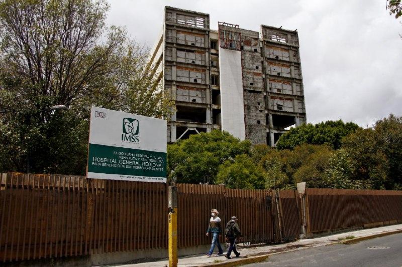 FOTONOTA. Inicia al fin la demolición del Hospital San Alejandro