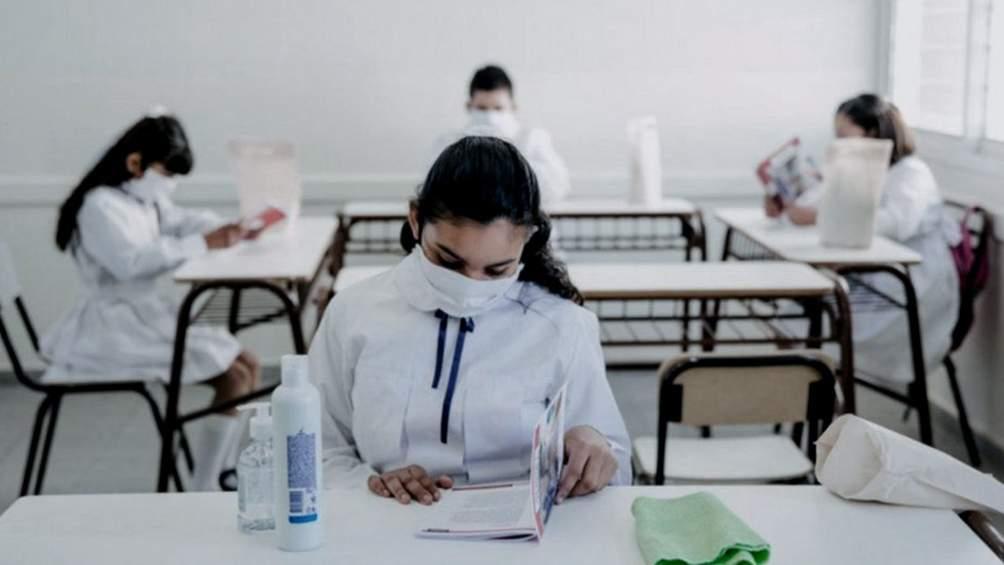 Presencialidad completa con distanciamiento de 1.5 metros aplicará Argentina en sistema educativo