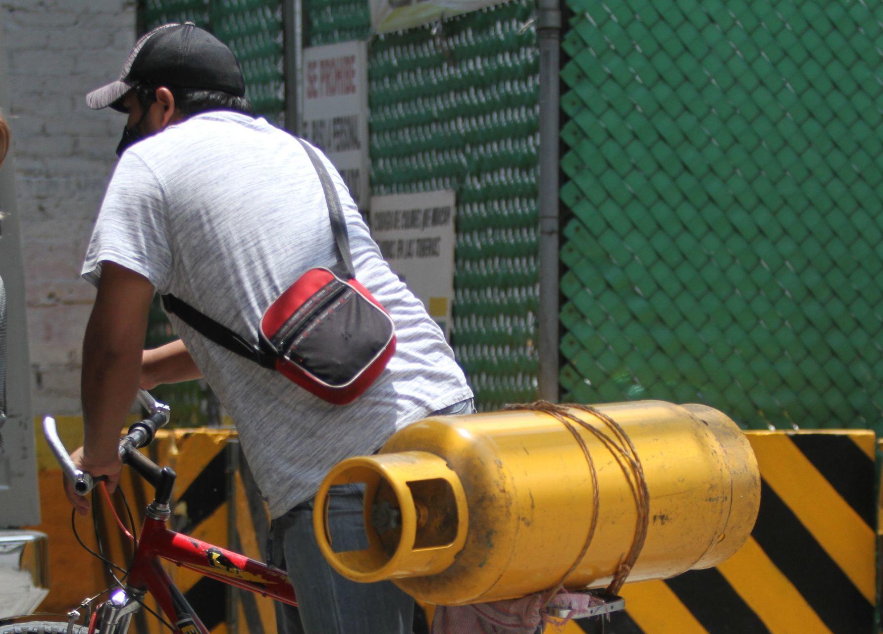 Gaseros de Puebla se suman a paro por regulación de precios