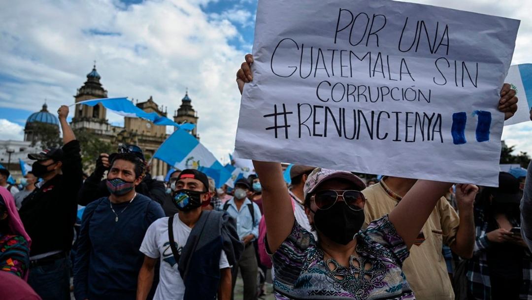 Aseguran que protestas en Guatemala no cesarán mientras presidente Giammattei esté en el poder
