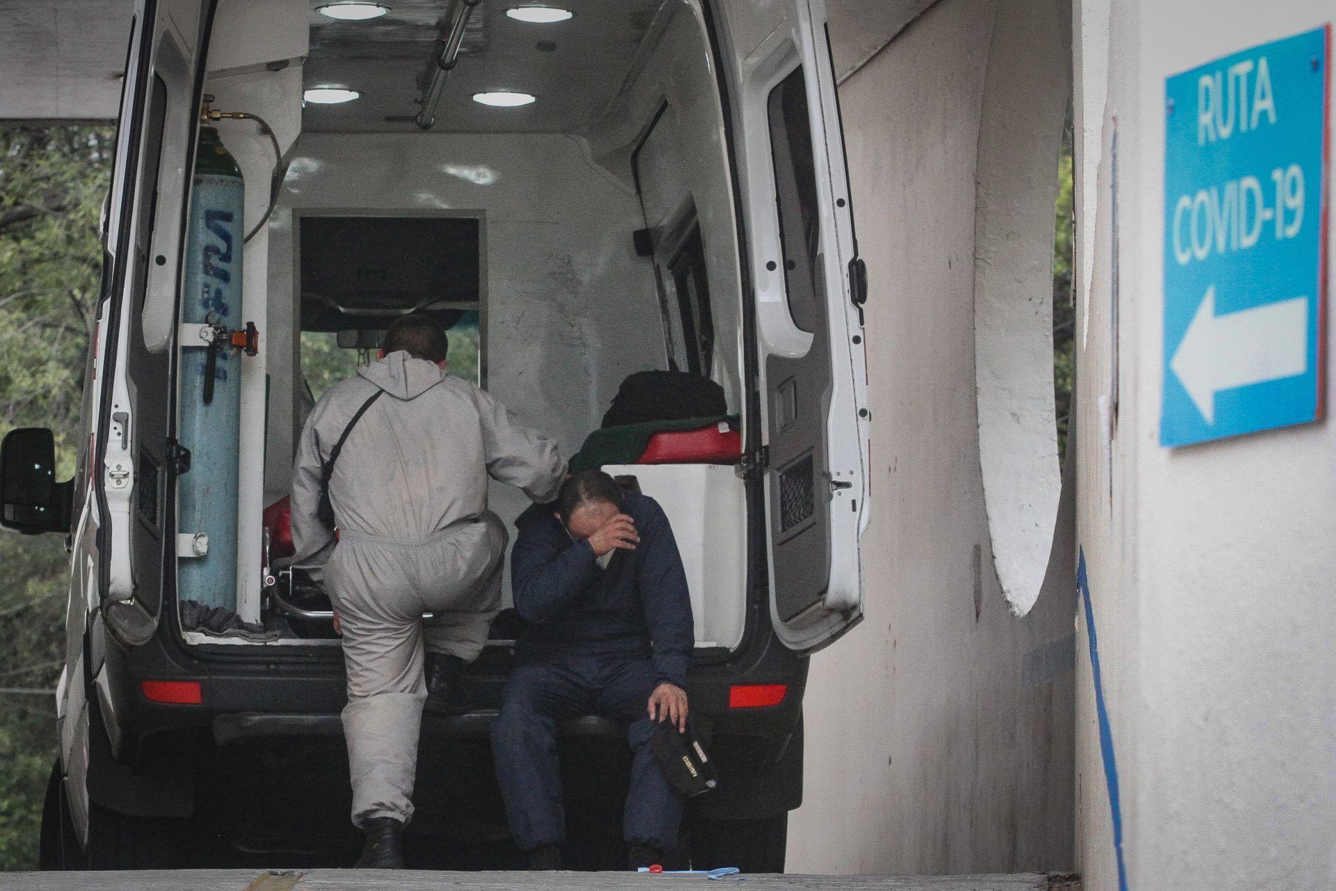 Hay en la República Mexicana 33 mil 880 personas luchando contra la covid-19