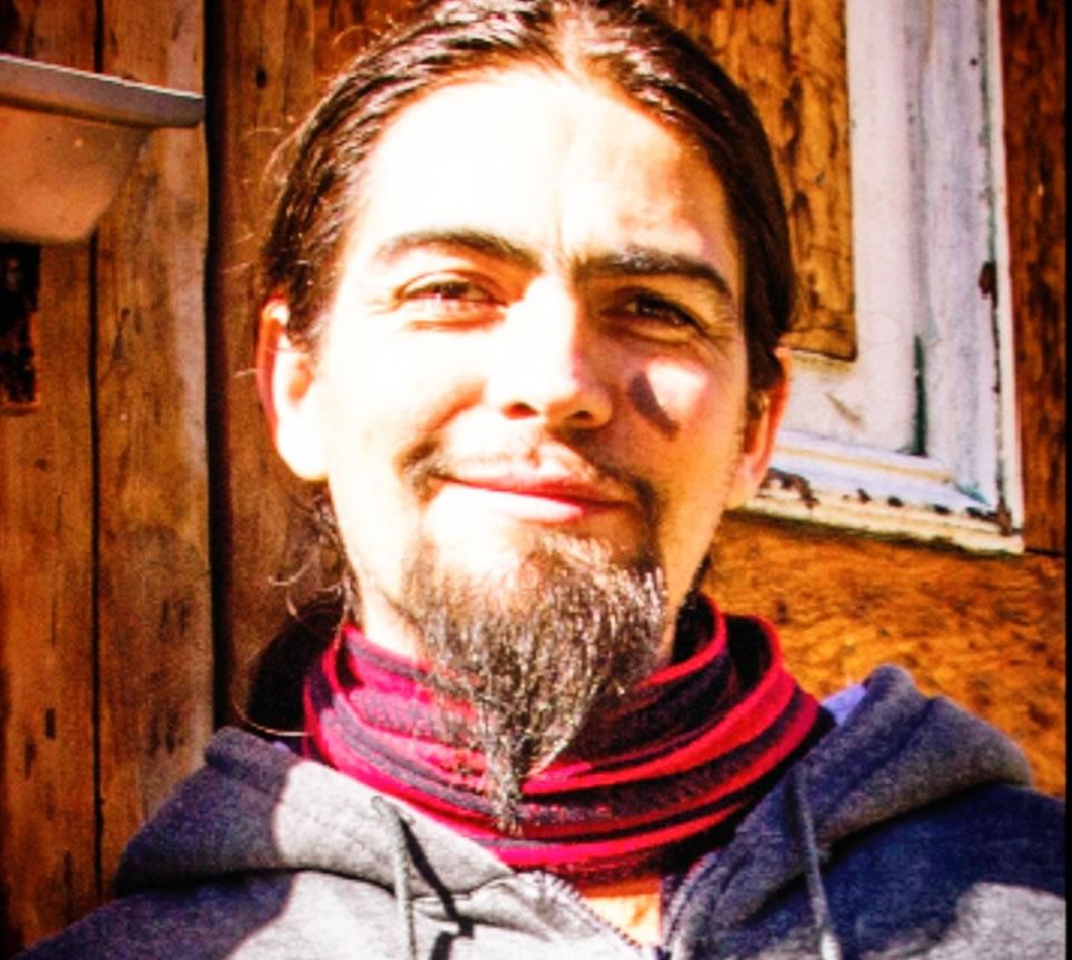 Un ritual que estaba pendiente: Mariano Gallardo presenta su última novela «Valpóstumo»