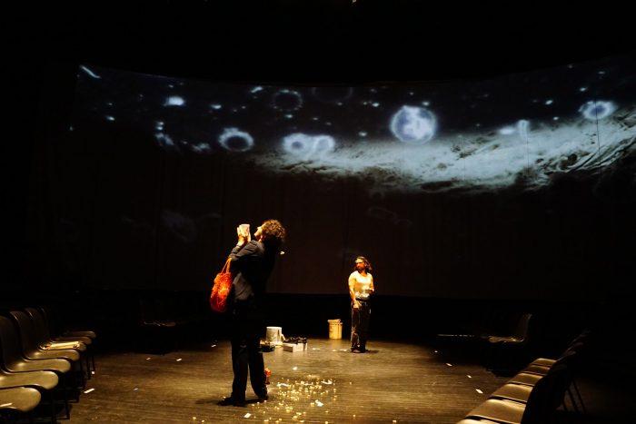 """Memoria e impunidad en Chile: Teatro Los Barbudos estrena """"El hombre que devoraba a las palomas"""""""