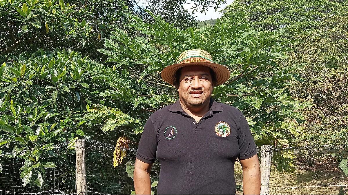 Guardia Indígena Lucho Acosta: «Somos un símbolo de los pueblos originarios que en su sola presentación representa el rechazo a la guerra, somos voluntarios, no nos paga nadie, voluntarios para defender la vida»