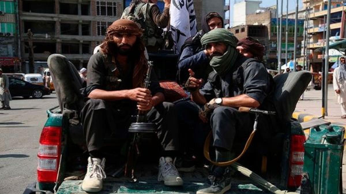 Régimen talibán anuncia amnistía para exfuncionarios del Gobierno de Afganitán