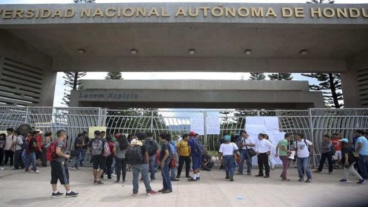 Gremio de profesores en Honduras rechaza regreso a clases presenciales por la pandemia