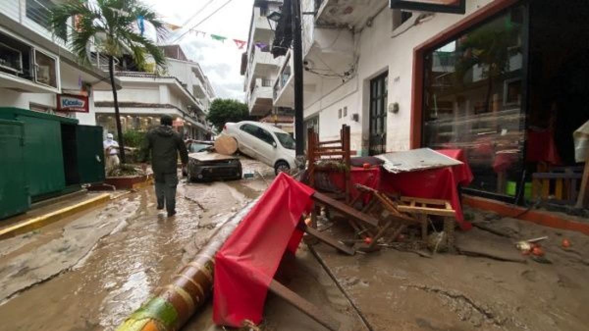 (Fotos) Huracanes Ida y Nora dejan graves estragos a su paso por México y EE.UU.