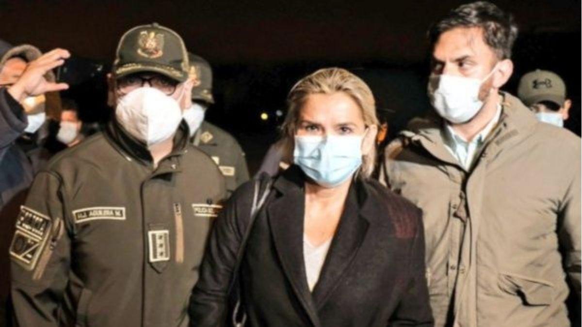 Tras ser imputada por genocidio intentó suicidarse en prisión expresidenta de Bolivia Jeanine Áñez