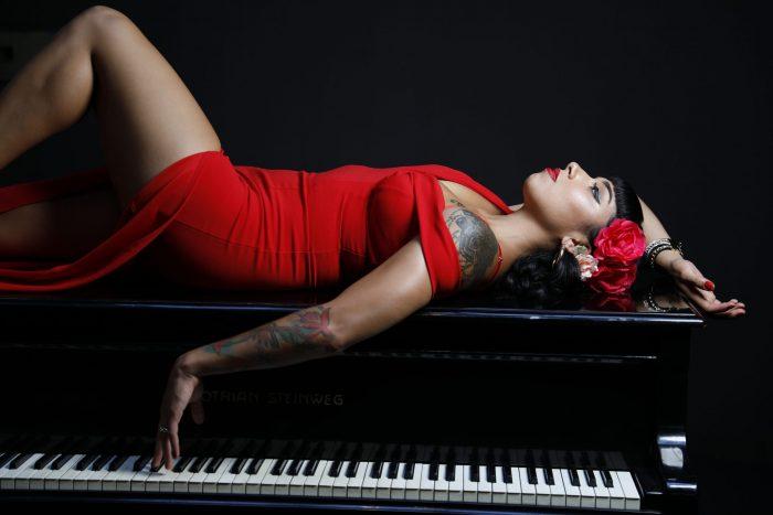 """Priscila Ninoska sorprende con """"Mal de Amores"""" el nuevo sencillo de su disco solista"""