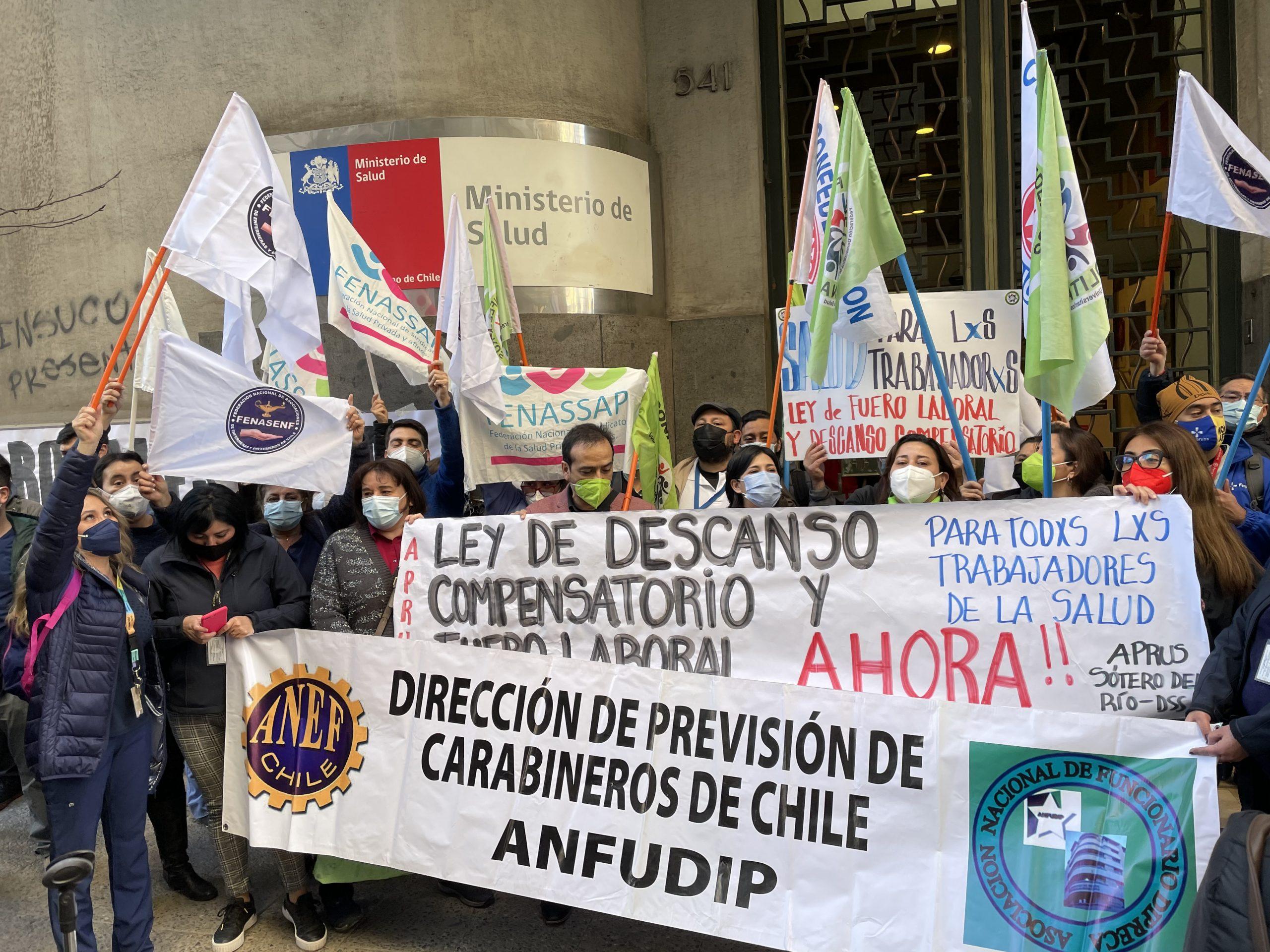 Trabajadores de la Salud exigen urgencia al proyecto de fuero laboral y descanso compensatorio: No descartan movilizaciones