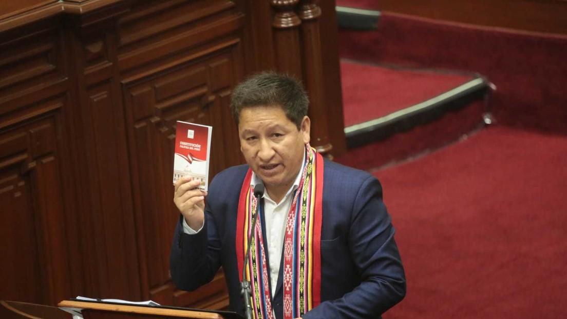 Perú: ¿Sigue la lucha contra el colonialismo español? La polémica que se armó en el Congreso por un discurso en Quechua
