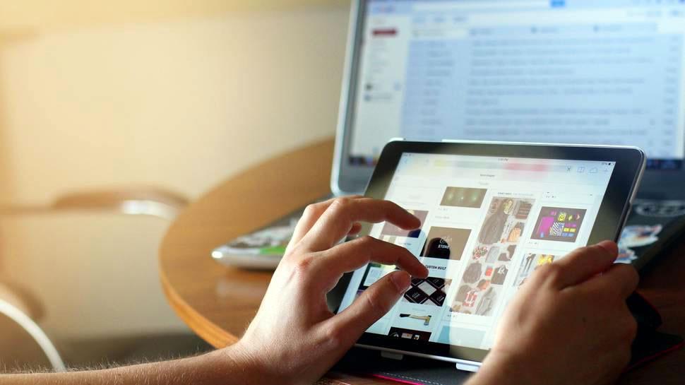 Estudio Sernac: Un 64% de las empresas ocupa «patrones oscuros» en el comercio electrónico