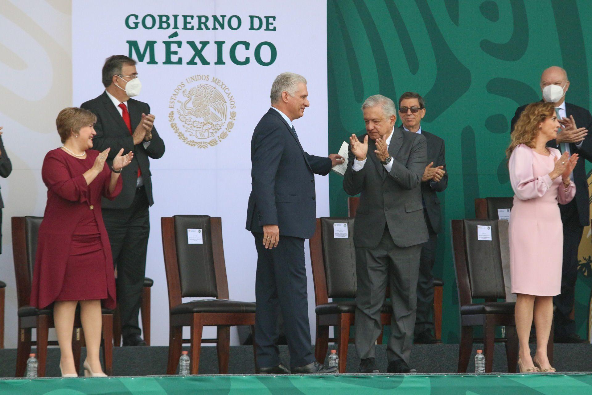 López Obrador exhorta a EEUU quitar bloqueo a Cuba