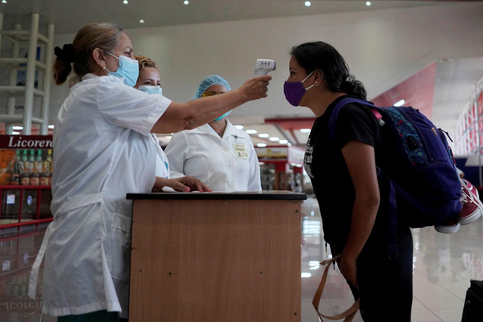 En Cuba preparan las condiciones biosanitarias para la reapertura de sus fronteras marítimas y aéreas