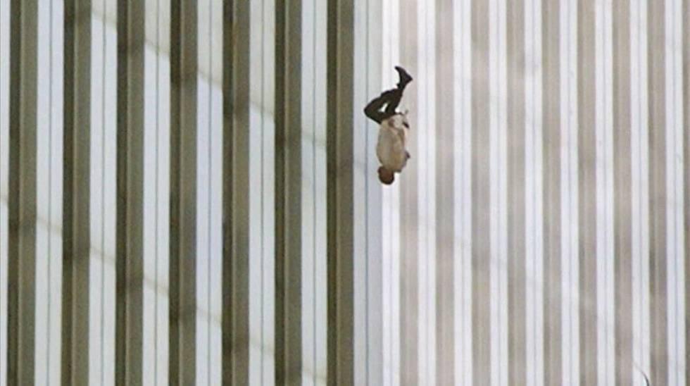 El hombre que cae: el enigma detrás de una de las imágenes más dramáticas del 11-S