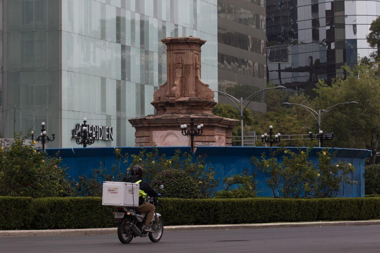 """UNAM discute en foro la polémica sobre la estatua de Colón, """"Tlali"""" y el espacio público"""