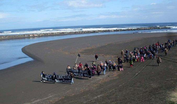 Denuncian Ley de amarre de Piñera en los espacios costeros marinos