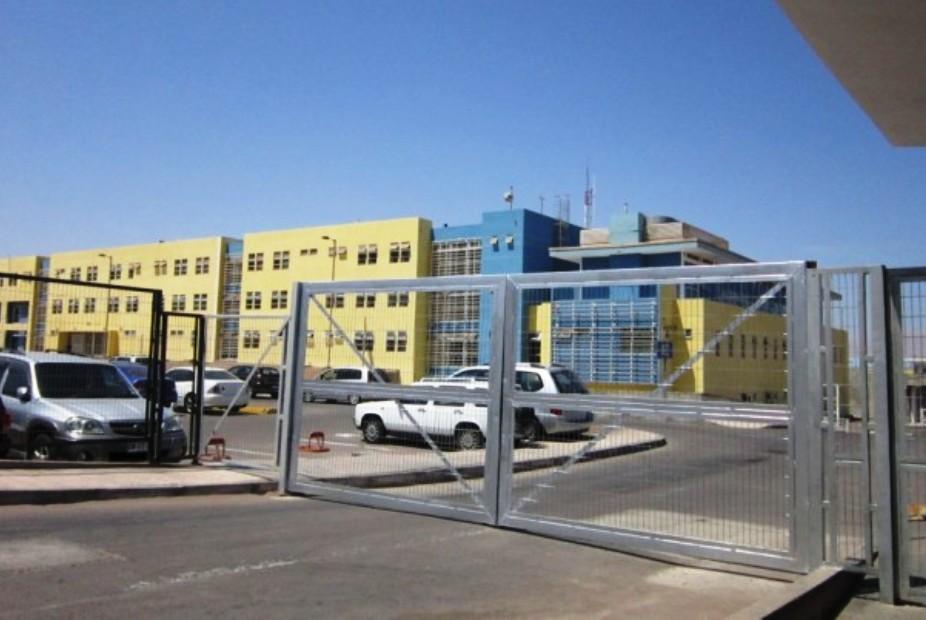 Alto Hospicio: Prisión preventiva para gendarme acusado de abusar de una mujer mientras era trasladada a la cárcel