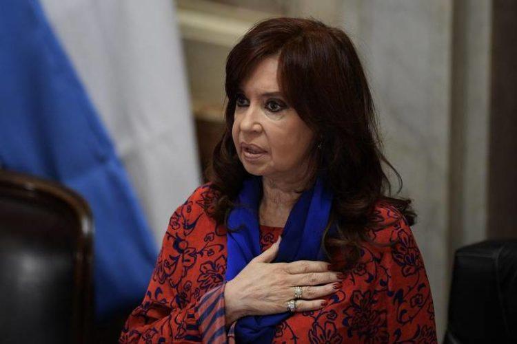 Cristina Fernández fija en una carta su posición ante la crisis política que vive Argentina