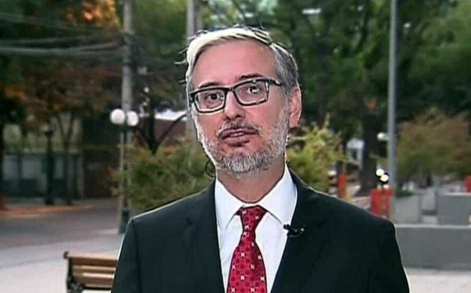 Junaeb: Funcionarios exigen salida de director nacional Jaime Tohá tras sumario instruido por Contraloría