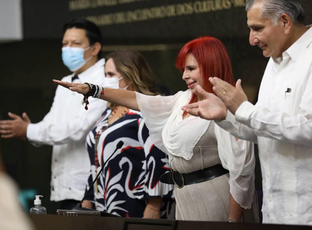Layda Sansores protesta como la gobernadora de Campeche