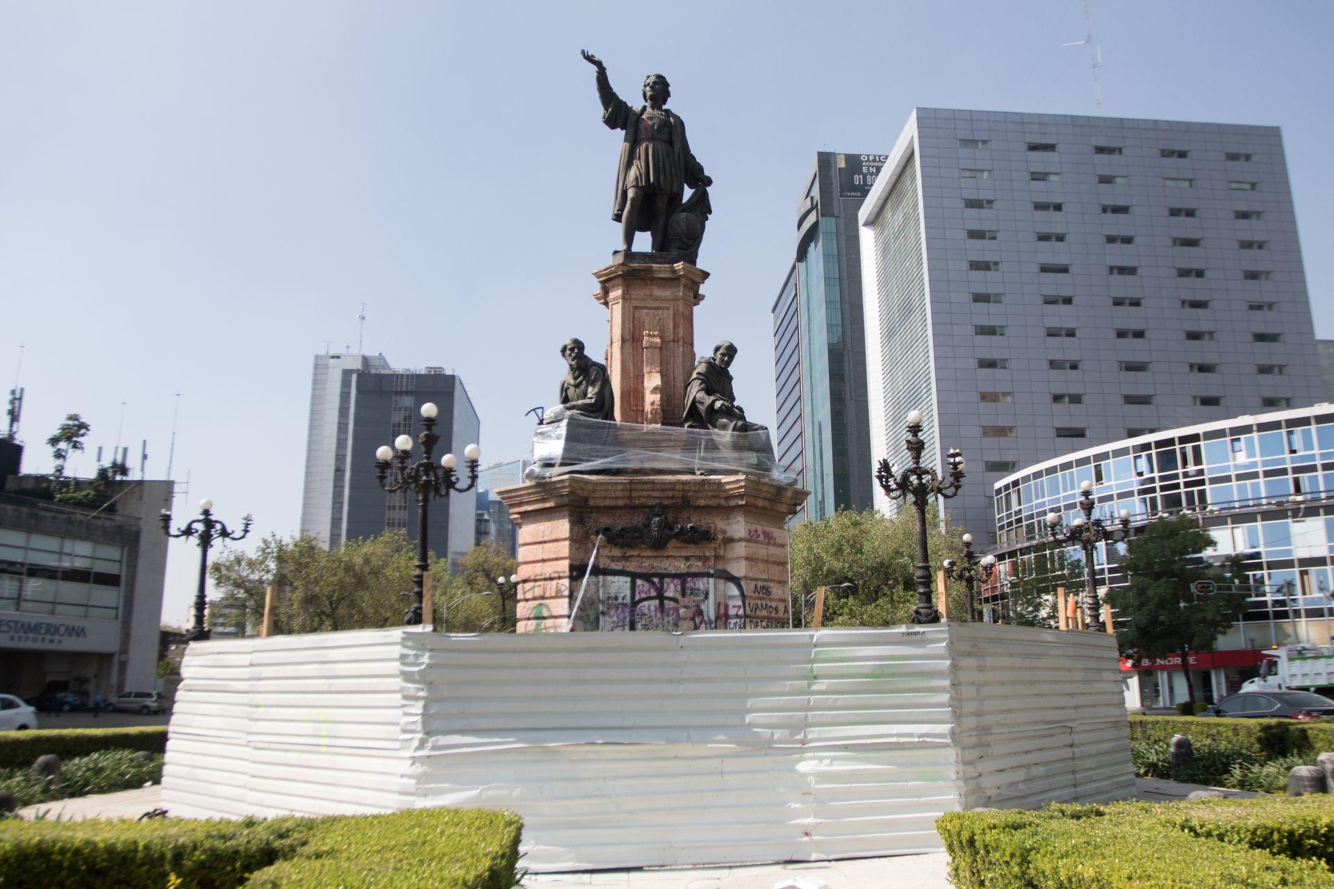 El periplo de Colón y la escultura sin autor