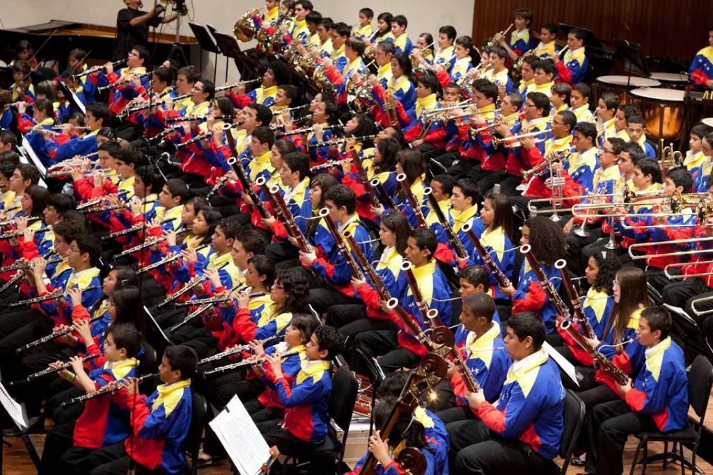 Sistema Nacional de Coros y Orquestas Juveniles e infantiles de Venezuela visitan delegaciones en México