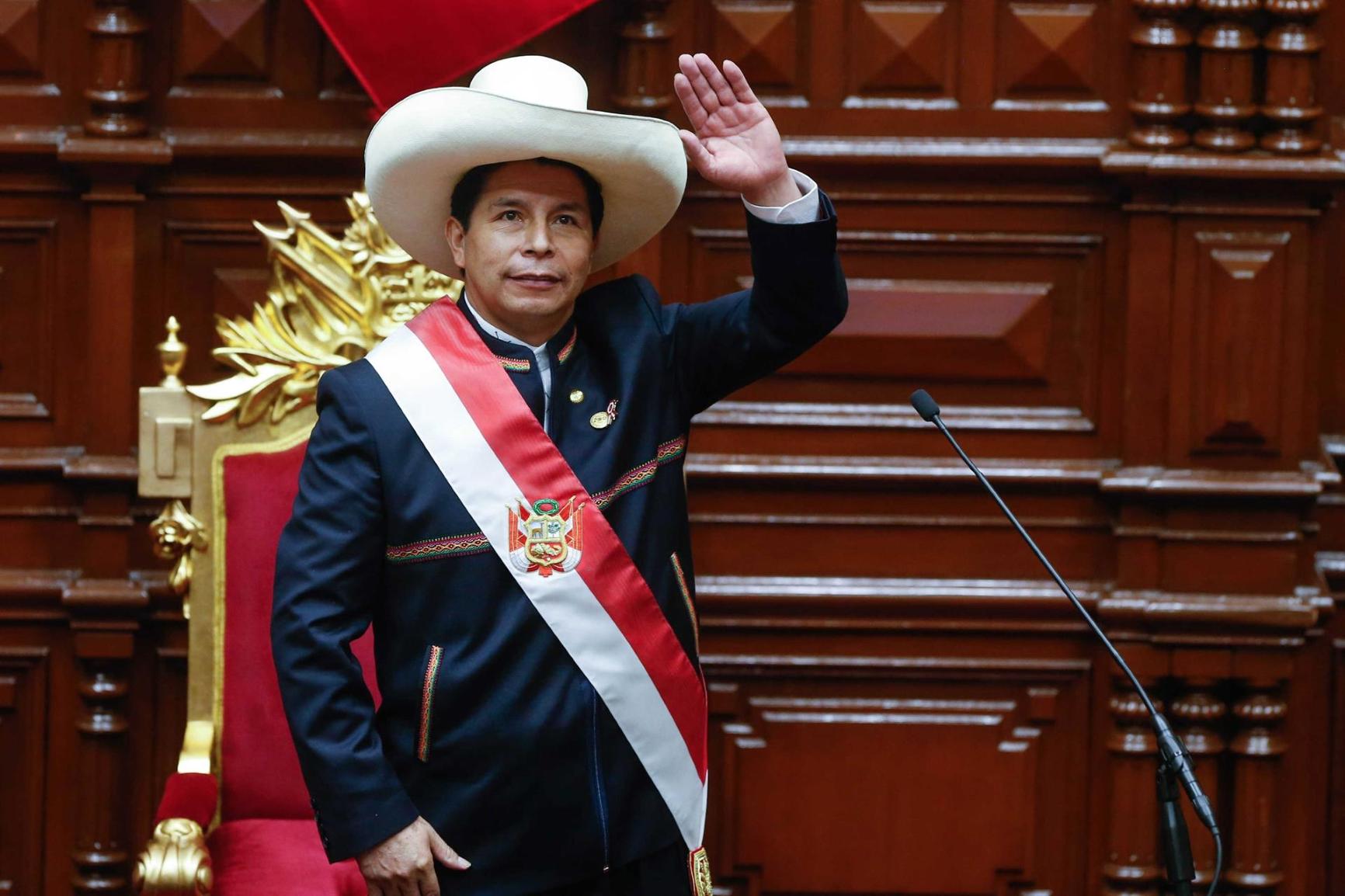 Repudian intentos de desestabilización contra el presidente peruano recién electo