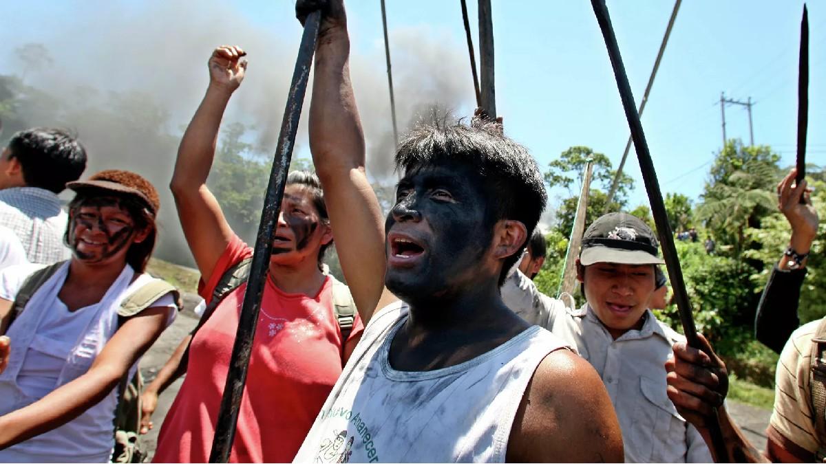 Comunidad Shuar exige al gobierno de Ecuador derogar los decretos que permiten la extracción indiscriminada de petróleo y minerales