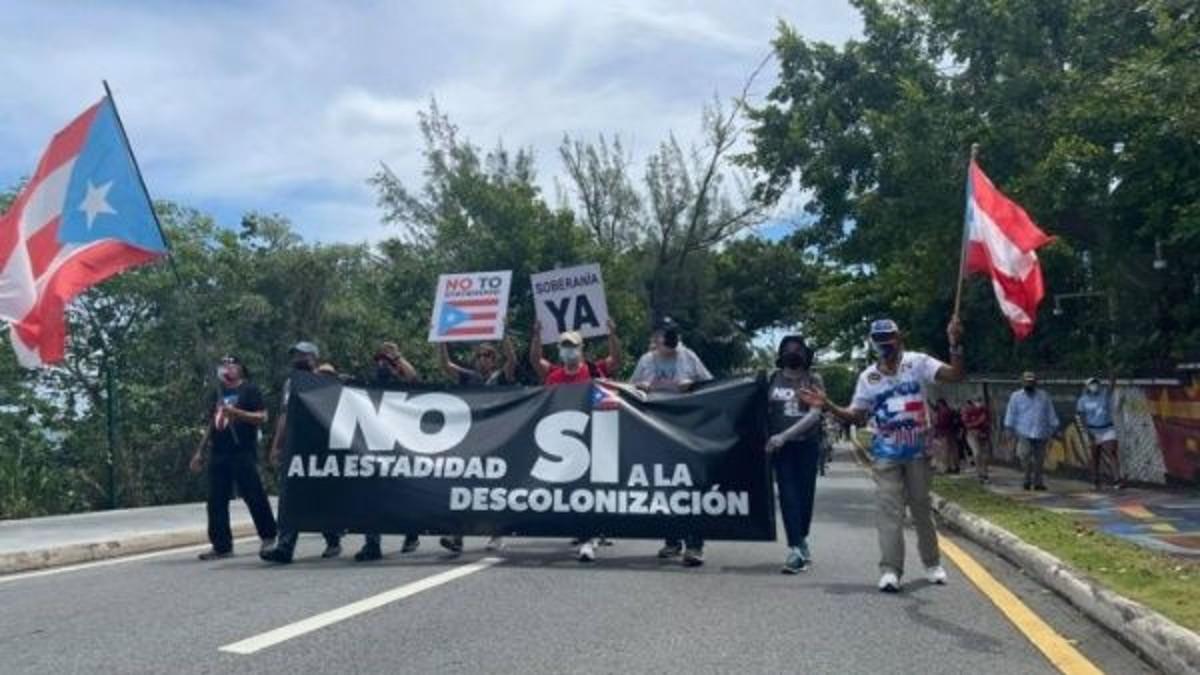 Puertorriqueños salen a las calles a marchar por su independencia