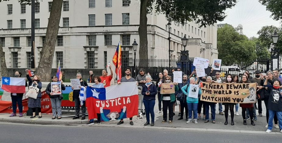 """Tras ser funado en Londres por violaciones a DDHH, Piñera se compromete a «evitar un holocausto ambiental"""""""