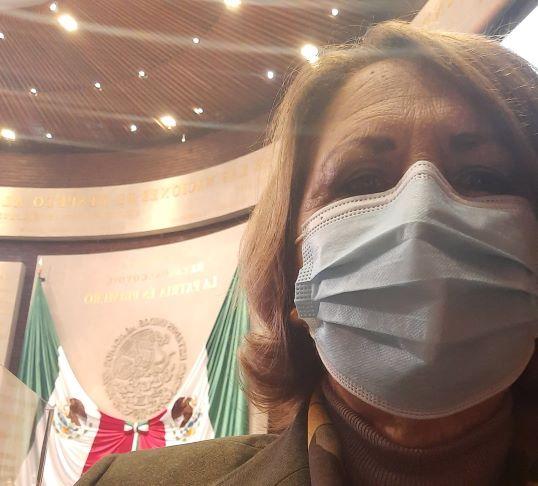Ana Teresa levanta la mano para liderar al PAN en Puebla