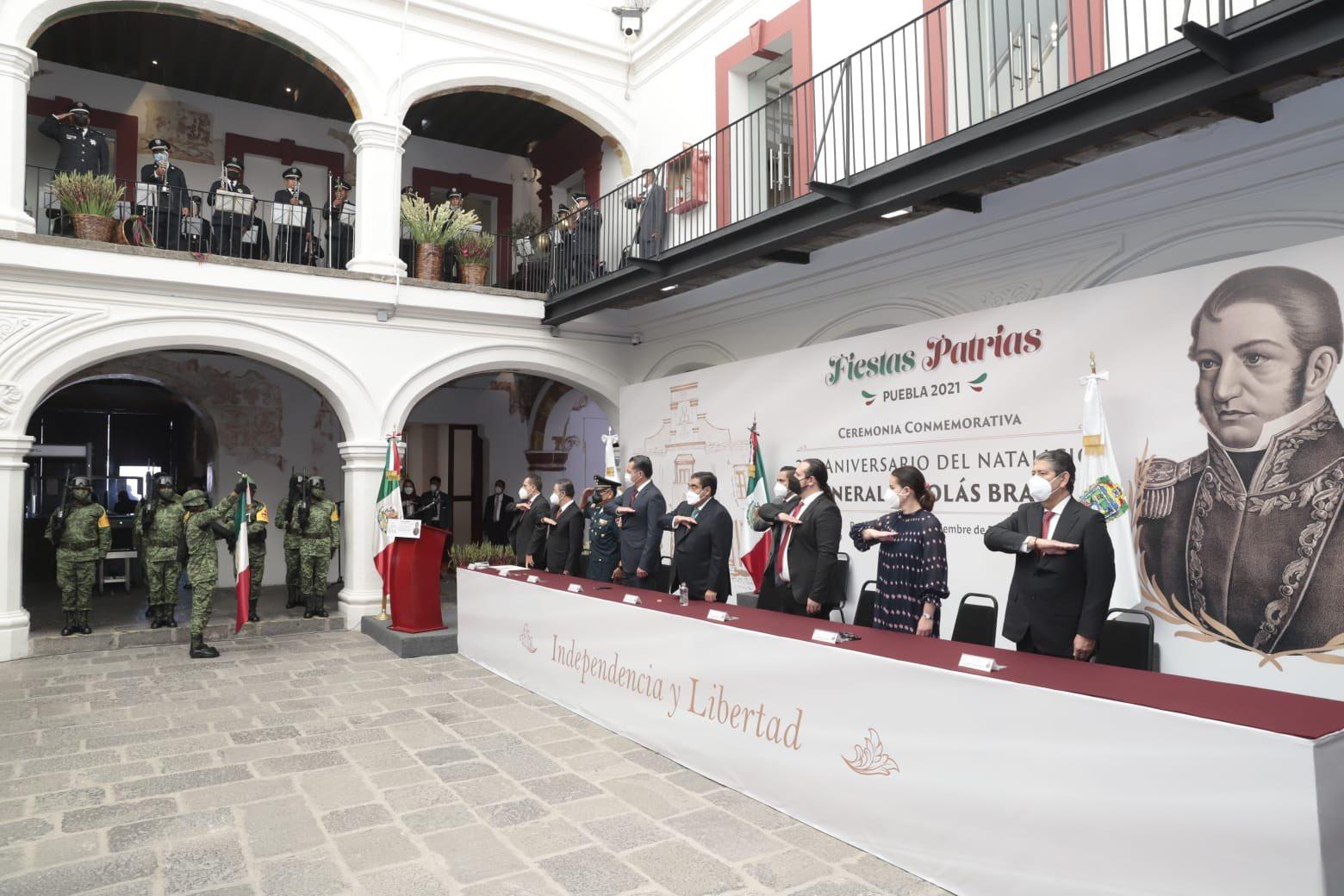 Plana mayor del Gobierno de Puebla oficia ceremonia en memoria de Nicolás Bravo, caudillo de la Independencia y opositor a Santa Anna