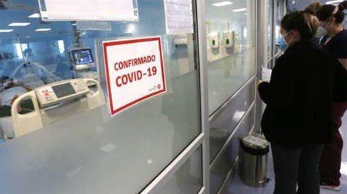 Repunte del Covid-19: Más de 800 nuevos contagiados en 24 horas, mientras casos activos vuelven a superar los 4.000