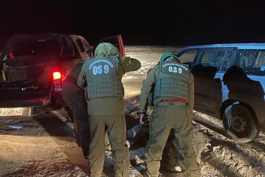 Gobierno de Bolivia asegura que militares detenidos en Tarapacá estaban en medio de un operativo de comiso de vehículos