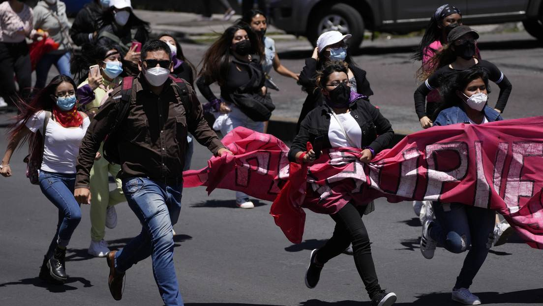 Ecuador: Why are students and teachers protesting Guillermo Lasso?
