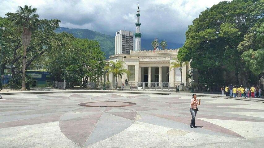Museo de Bellas Artes de Caracas abre sus puertas al artista David Cedeño