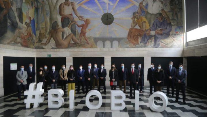 """Senador Alejandro Navarro acudirá a Contraloría por sesión de Gabinete Regional del Biobío en quincho: """"Aquí el objetivo fue claro; diseñar la campaña de Sebastián 2°"""""""